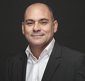 Dr. CARLOS MORENO PINEDA (322)